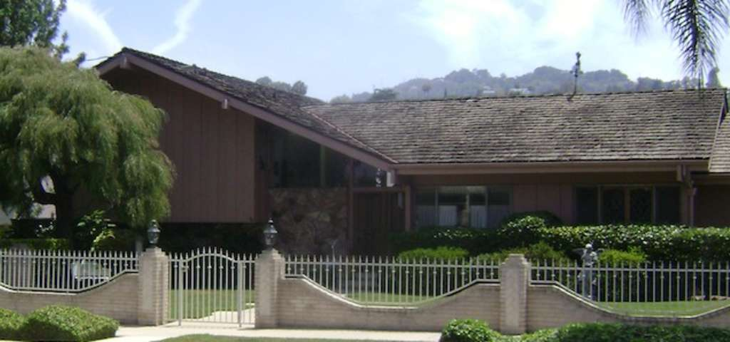 The brady bunch house los angeles roadtrippers