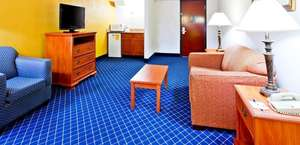 Holiday Inn Express & Suites Nashville-I-40 & I-24(Spence Lane)
