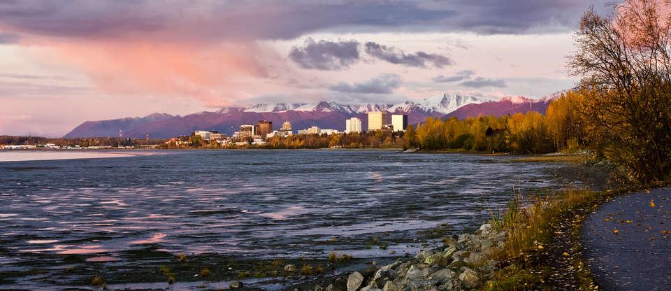 29-DAAGSE CAMPERREIS WILD & PUUR ALASKA & THE YUKON